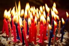 iStock_000012347215Small1.jpg-birthday-candles-525x349